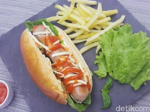 Resep Roti : Cheezy Hot Dog with Fiesta Bratwurst