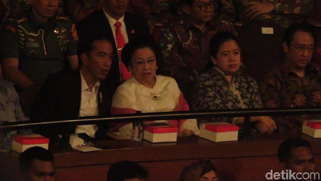 Saat Megawati Berbincang Hangat dengan Jokowi di Ultah ke-71