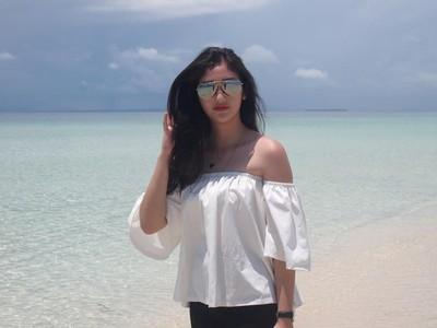 Foto: Si Cantik Ranty Maria, Salju dan Pantai