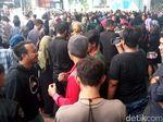 Gempa Guncang Jakarta, Pekerja Kantoran Berhamburan
