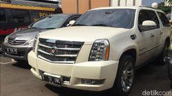 Penerobos Busway yang Seret Polantas Kemudikan Cadillac Pinjaman