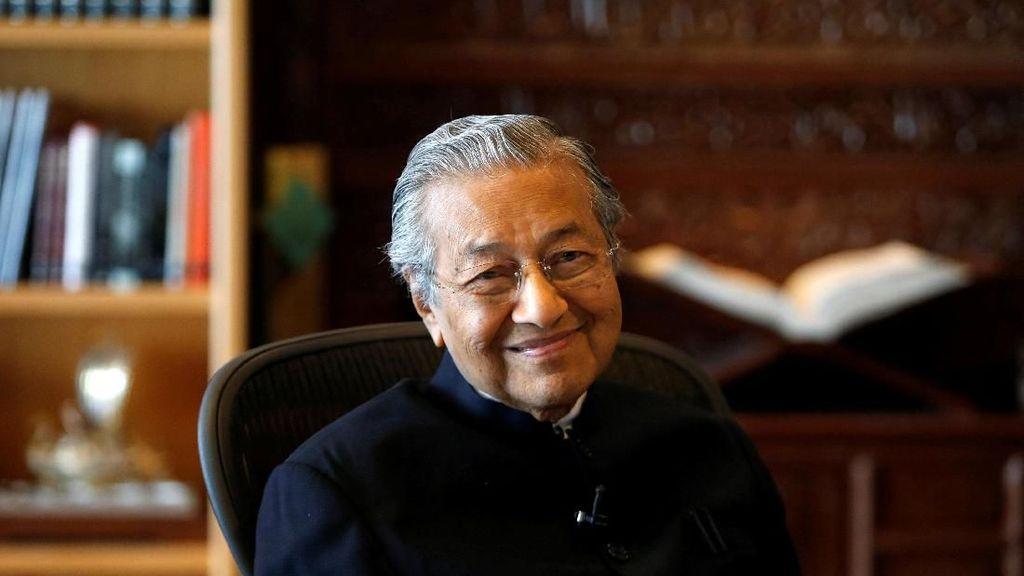 Mahathir Kritik Keputusan Pemilu Malaysia Digelar di Hari Rabu