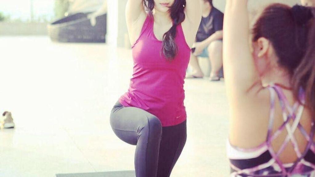 Foto: Tampil Cantik, Ini Gaya Olahraga Aura Kasih yang Anggun