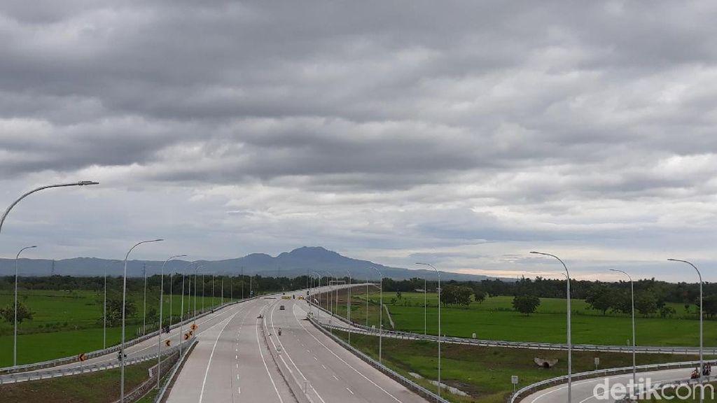 Begini Panorama Indah Ruas Tol Ngawi-Kertosono