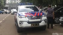 Ditlantas Polda Metro Terima Hibah 6 Unit Mobil dari Pemda Jabar
