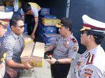 Kapolda Banten Beri Sumbangan Korban Gempa di Lebak