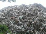 Hii... TPA di Ponorogo Tampung Tumpukan Sampah Setinggi 10 Meter