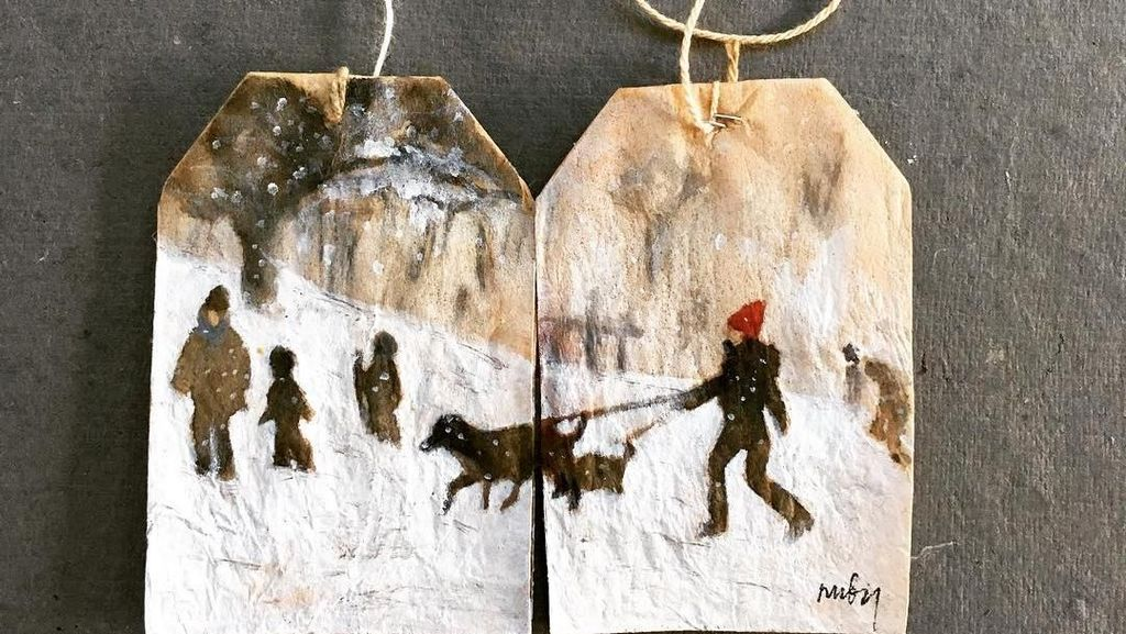 Di Tangan Seniman Ini, Kantung Teh Bekas Disulap Jadi Lukisan yang Cantik!