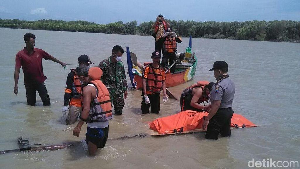 Mayat Lelaki Tanpa Identitas Ditemukan Di Pantai Demak
