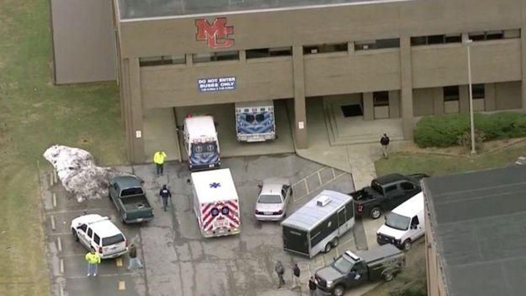 Foto: Dorr! Penembakan Brutal di Sekolah AS Tewaskan 2 Orang