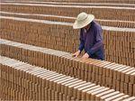 Duh! Buruh di China Dibayar dengan Batu Bata