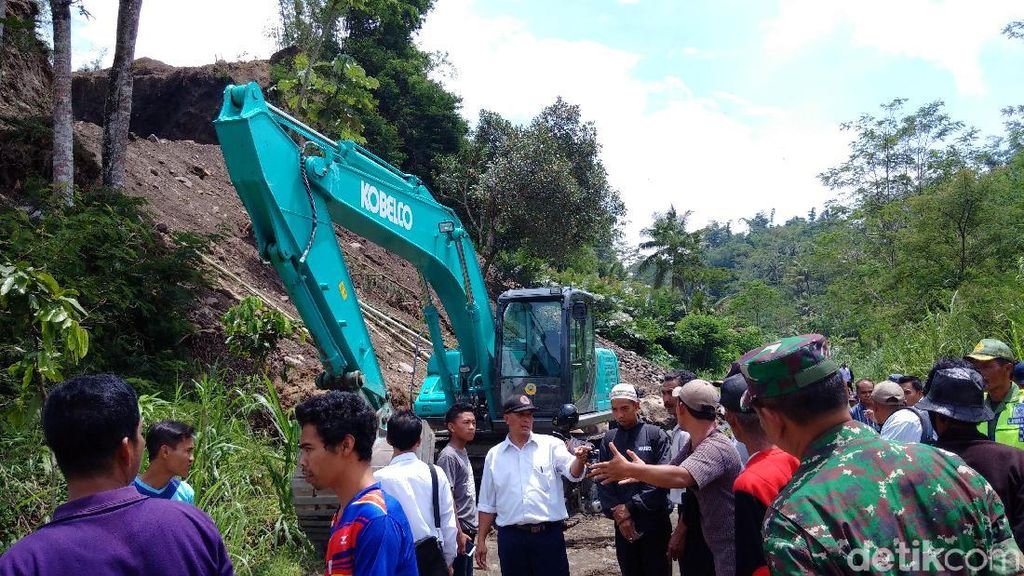 Protes Penambangan, Warga Datangi Area Tambang Pasir di Lereng Merapi