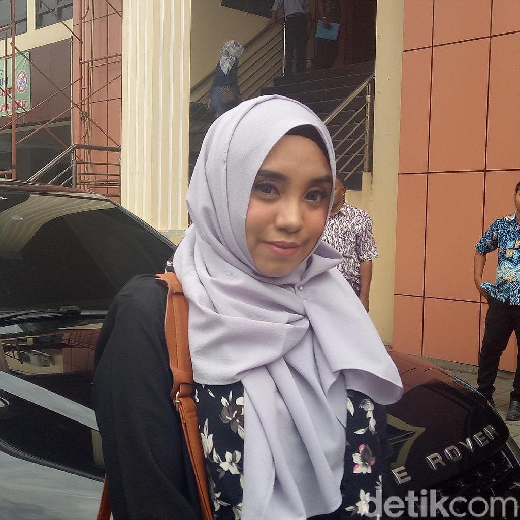 Berkas Pihak Taqi Malik Belum Lengkap, Sidang Cerai Salmafina Sunan Ditunda