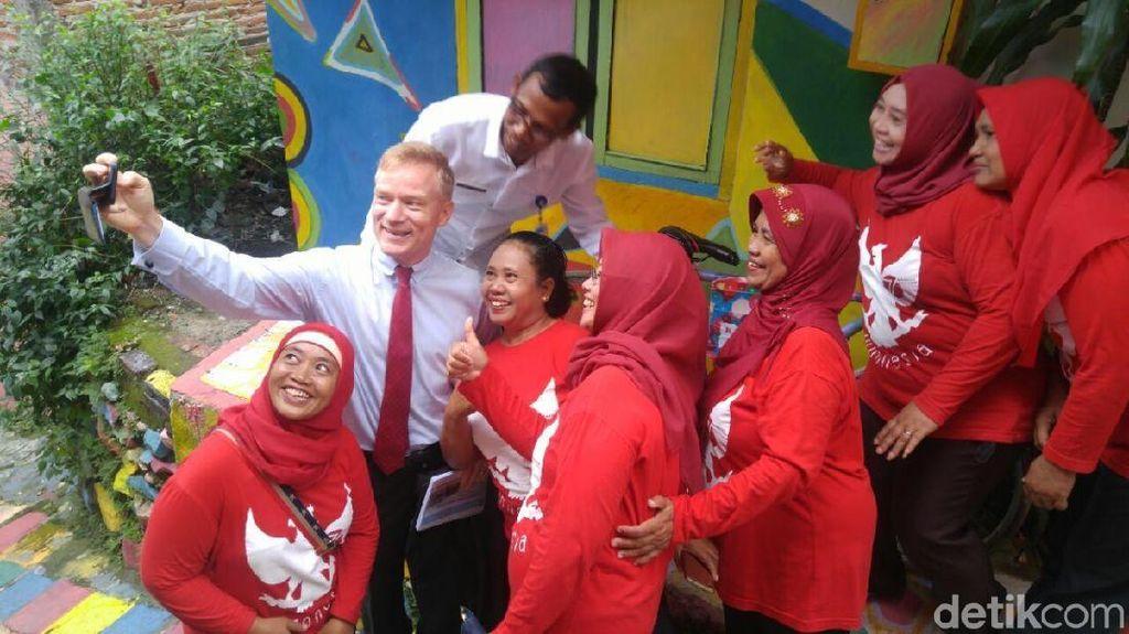 Kagumnya Dubes Uni Eropa saat Blusukan ke Kampung Pelangi Semarang