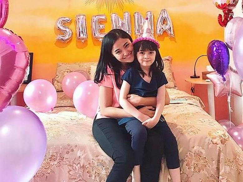 Marshanda Curhat soal Anak hingga Bebasnya Riza Shahab
