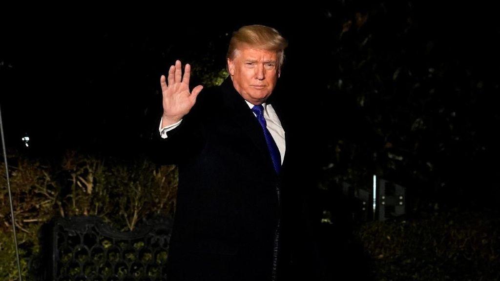 Toilet Emas untuk Donald Trump
