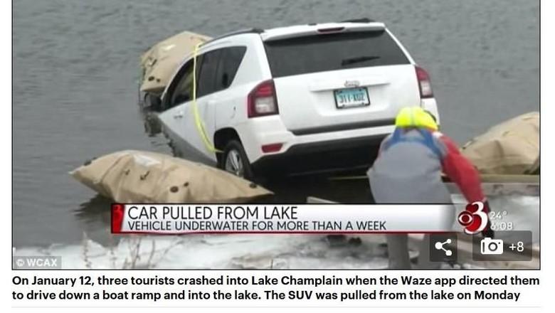 Mobil turis yang nyemplung ke danau di Kanada (Screenshoot Dailymail)