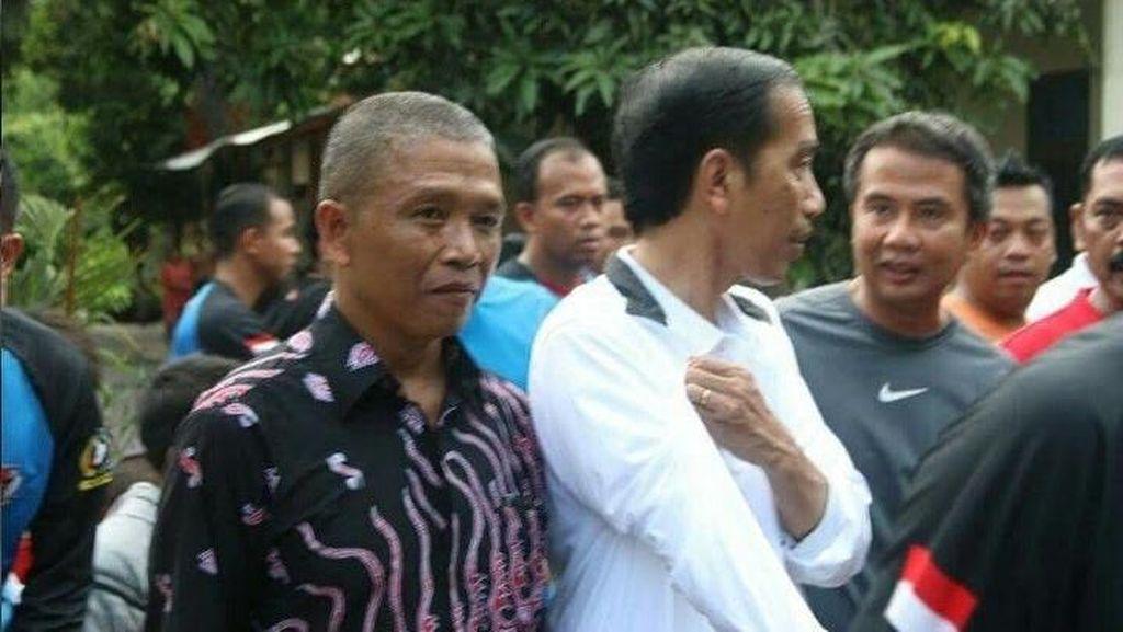 Jadi Penjahit Langganan Jokowi, Omzet Suparto Naik Hingga 60%