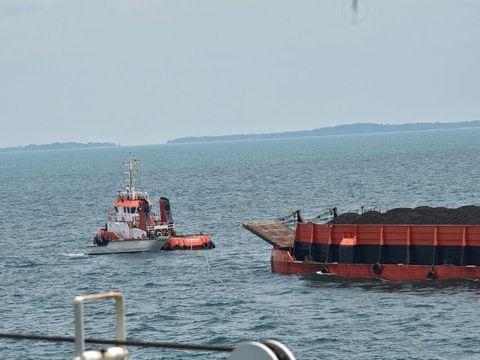 KRI Teluk Bintuni gagalkan aksi perompakan