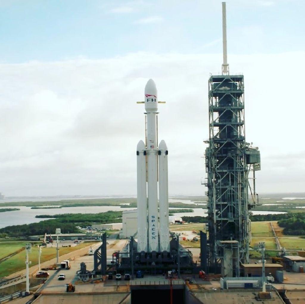 NASA Gaet SpaceX Luncurkan Misi Pemburu Planet