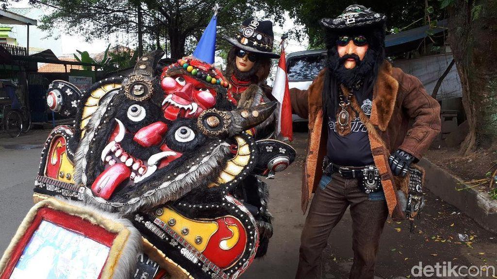 Menyita Perhatian, Biker dan Motornya Bergaya Nyentrik di Bandung