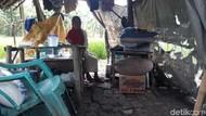 Nenek Fatonah Tinggal Seorang Diri di Gubuk Tengah Sawah di Brebes
