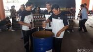 Bea Cukai Soekarno-Hatta Musnahkan Miras yang Dibawa Penumpang
