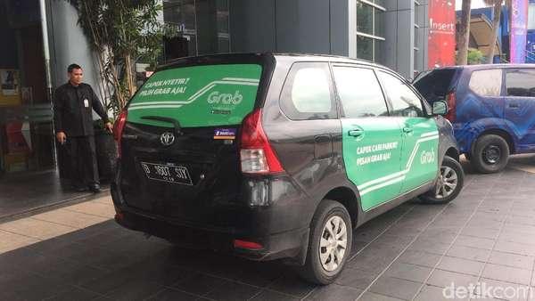 Ingat, Aturan Baru Taksi Online Mulai Berlaku Hari Ini