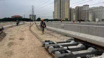 Kurangi Kecepatan, Ada Proyek LRT di Tol Cawang-Cikampek