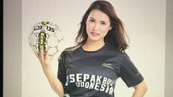 Miyabi Pamer Jersey Timnas Indonesia di Instagram