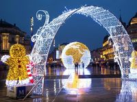 Suasana lampu di kawasan Montpellier, Paris (Blachere Illumination France)