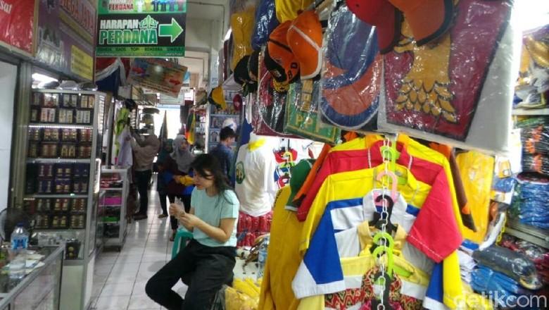 Di Pasar Senen, Kaos Kampanye Dijual Mulai Rp 10.000/Potong