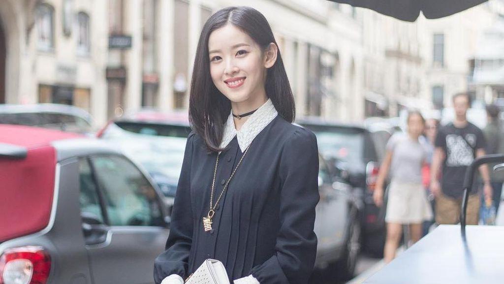 Foto: Liburannya Miliuner Cantik dan Termuda China