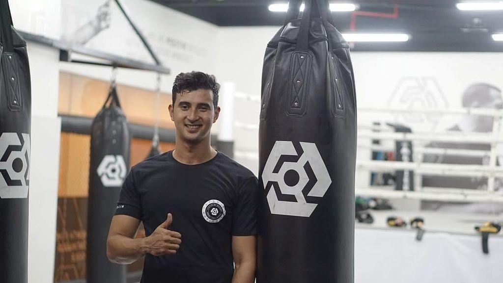 Yuk Intip Seperti Apa Artis Ganteng Keturunan Arab Kalau Lagi Olahraga