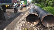 Akses Jalan ke Makam Sunan Giri Rusak Karena Galian Pipa Gas