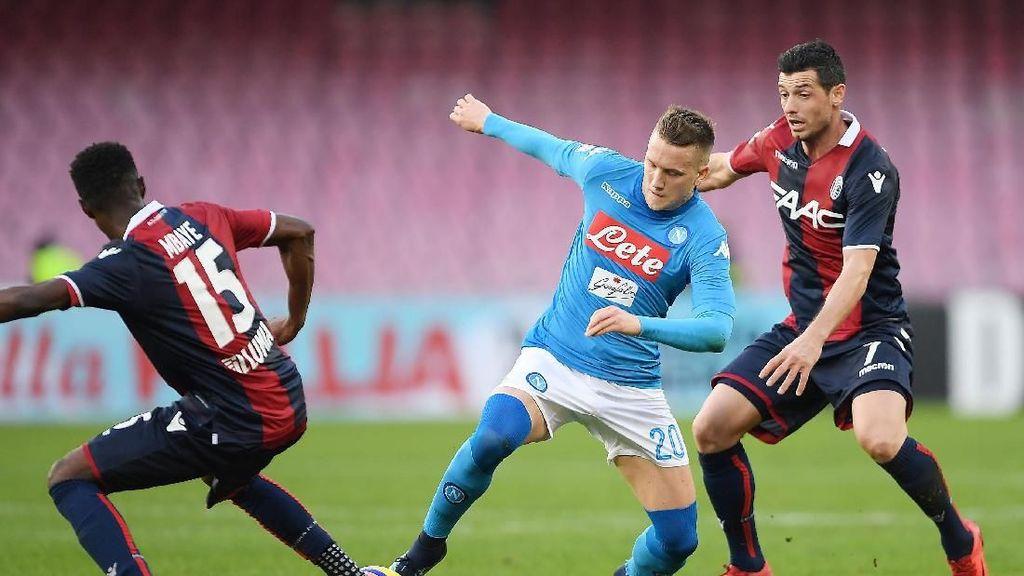 Kalahkan Bologna, Napoli Kembali Kuasai Klasemen