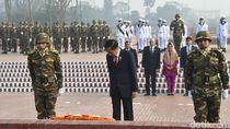 Foto: Doa dan Hormat Jokowi untuk Pahlawan Kemerdekaan Bangladesh