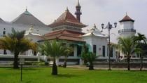 Megahnya Masjid Kebanggaan Warga Palembang