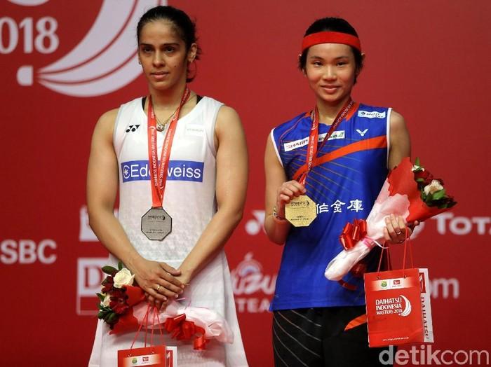 Tai Tzu Ying baru saja memenangkan Indonesia Masters 2018 sebagai jawara di nomor tunggal putri. Ia menang setelah menundukkan pebulutangkis handal lain dari India, Saina Nehwal. (Foto: Agung Pambudhy)