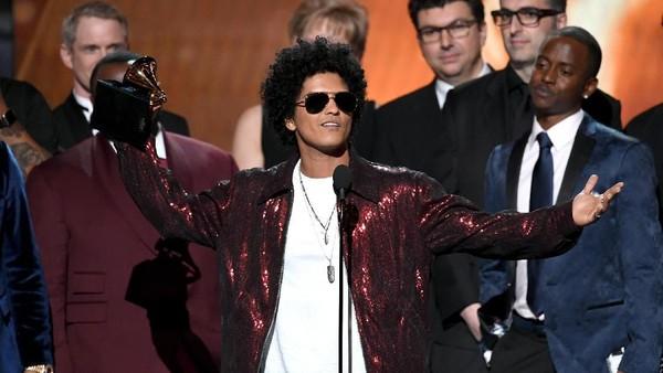 Kemenangan Bruno Mars di Grammy 2018 Tuai Kontroversi