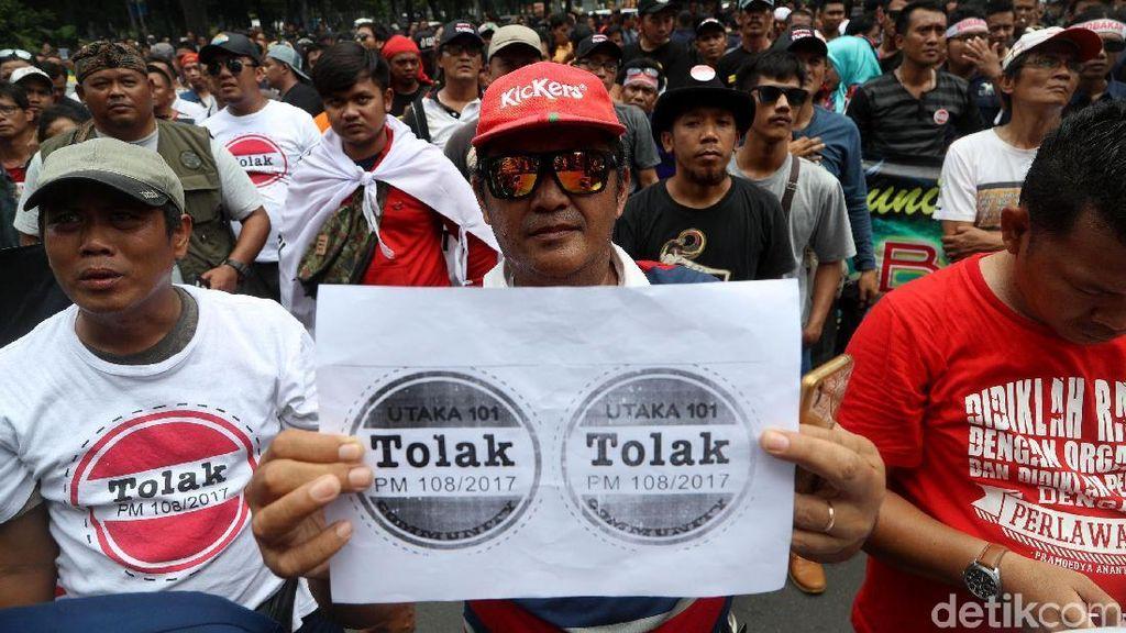 Sopir Taksi Online Demo, Ganggu Investasi Enggak Ya?