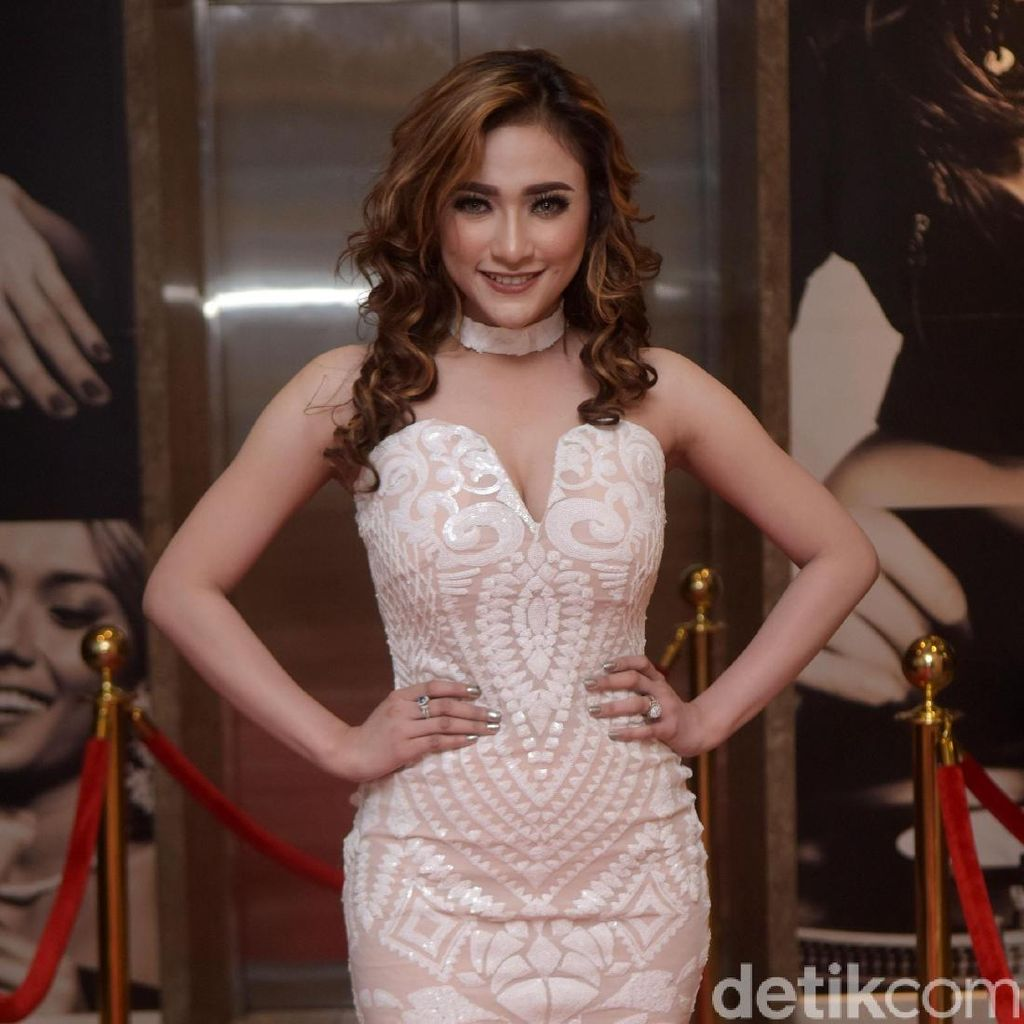 Amel Alvi Minta Lucinta Luna Akui Transgender