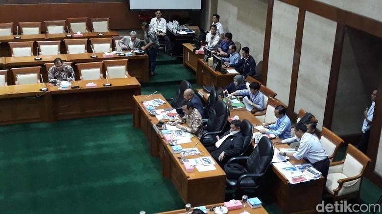 Rapat Soal Kinerja BUMN, DPR Cecar Soal Pembentukan Holding