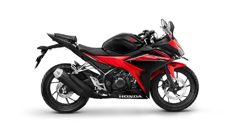 Januari-Maret 2018 Honda CBR150R Jadi Rajanya Motor Sport 150 cc
