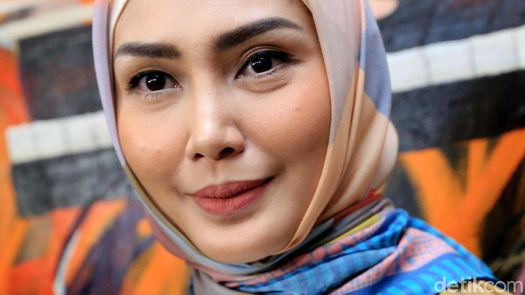 Kartika Putri Berhijab, Fenita Arie Ikut Senang