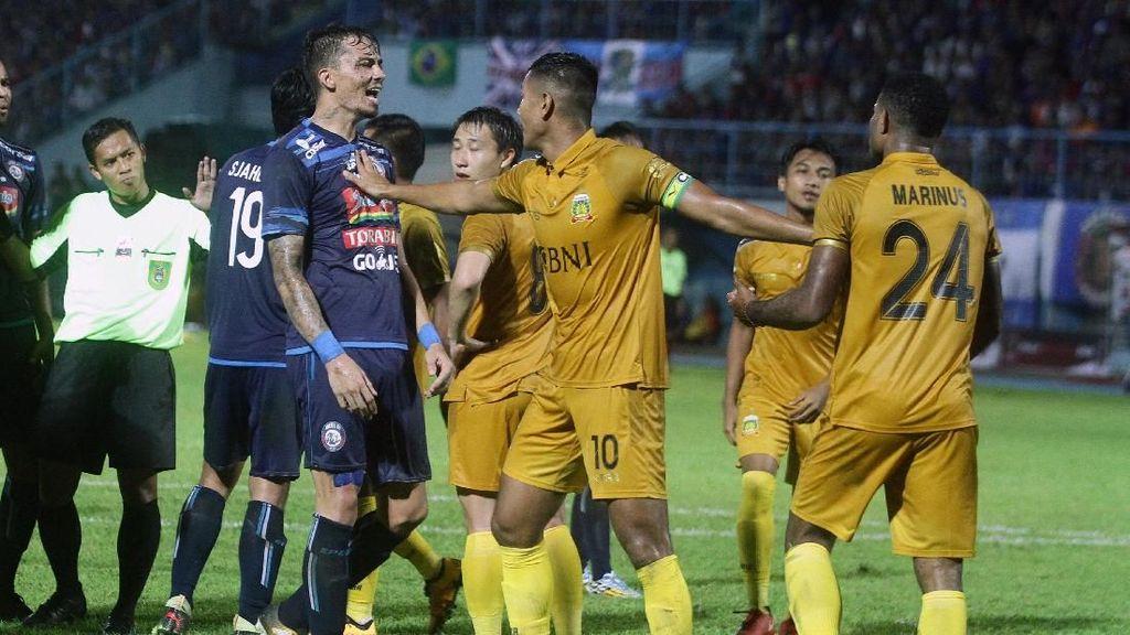Imbang Lawan Bhayangkara FC, Arema Lolos ke Babak 8 Besar