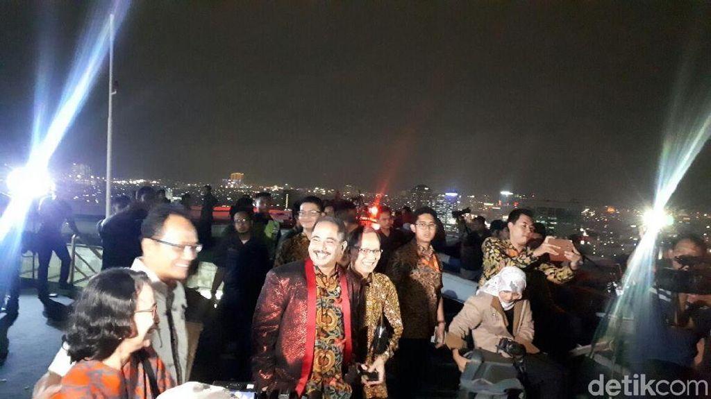 Nonton Gerhana Bulan, Menteri Pariwisata: Wah, Mendung Ya
