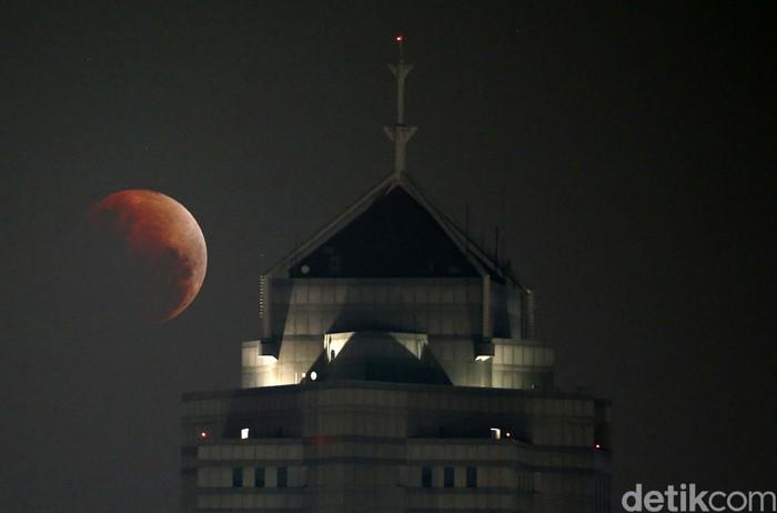Super Blue Blood Moon di Jakarta. Foto: Rachman Haryanto