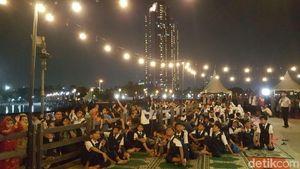Gerhana Bulan Terlihat di Ancol, Pengunjung Bersorak