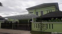 Penampakan Rumah Mewah Bos SBL yang Tipu 12 Ribu Jemaah Umrah